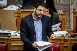 Νάσο Ηλιόπουλο ανακοινώνει ο ΣΥΡΙΖΑ για το δήμο της Αθήνας