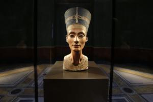 """Αίγυπτος: Επανέρχεται το αίτημα για «επιστροφή"""" της Νεφερτίτης από τη Γερμανία"""