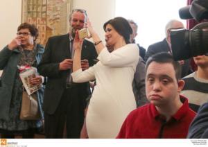 Θεσσαλονίκη: Σκιά του πρωθυπουργού η εντυπωσιακή Κατερίνα Νοτοπούλου – Έτσι κέντρισε τα βλέμματα [pics]