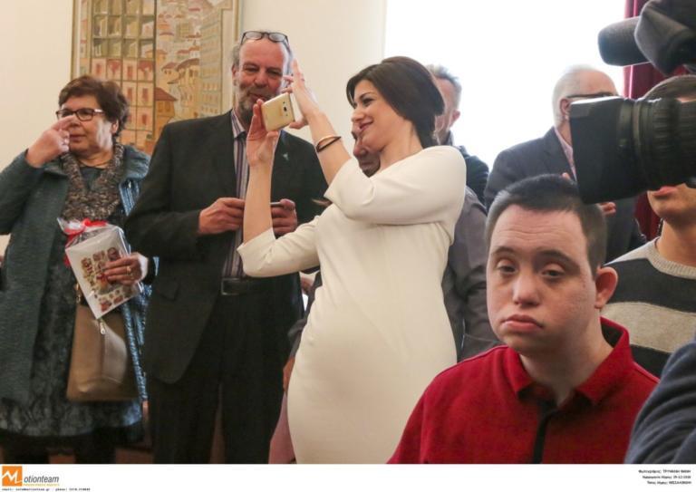 Θεσσαλονίκη: Σκιά του πρωθυπουργού η εντυπωσιακή Κατερίνα Νοτοπούλου – Έτσι κέντρισε τα βλέμματα [pics] | Newsit.gr