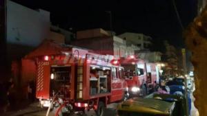 Φωτιά σε κτίριο στην Πάτρα – Εκκενώθηκε όροφος – video