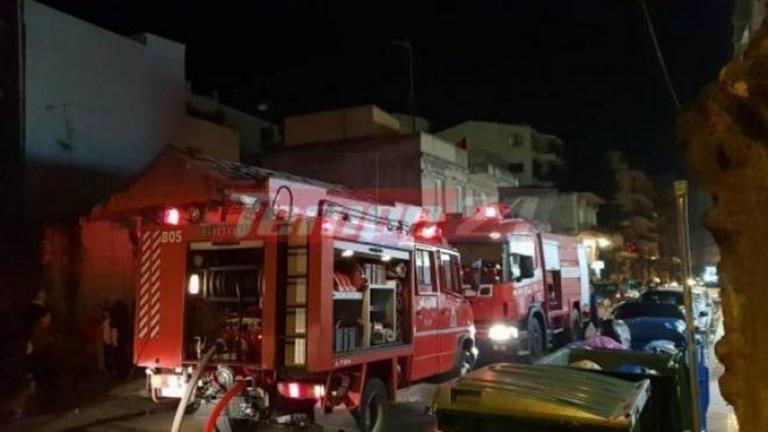 Φωτιά σε κτίριο στην Πάτρα – Εκκενώθηκε όροφος – video | Newsit.gr