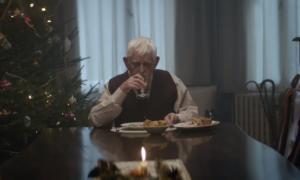 Λένε ότι είναι η πιο συγκινητική διαφήμιση που δημιουργήθηκε ποτέ: Ο παππούς και το μήνυμα που αγγίζει όλους
