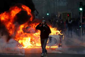 Γαλλία – Κίτρινα γιλέκα: Χάος ξανά στο Παρίσι!