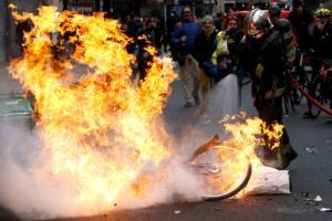 Κίτρινα γιλέκα: Αποκαλύψεις «φωτιά» για ρωσικό «δάκτυλο» στα social media!