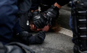 Γαλλία – Κίτρινα γιλέκα: «Πόλεμος» ξανά στο Παρίσι! Χημικά και εκατοντάδες συλλήψεις