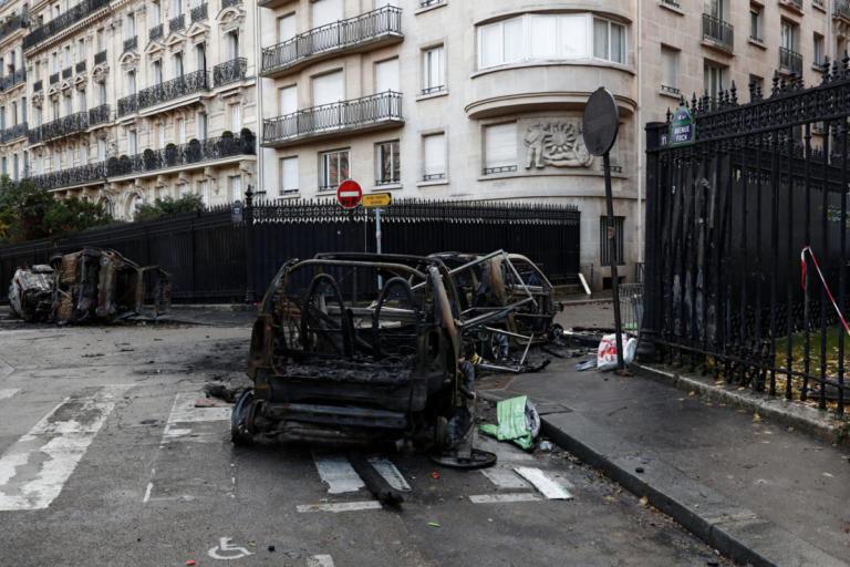 Βομβαρδισμένο τοπίο το Παρίσι μετά τα βίαια επεισόδια – 133 τραυματίες, 412 προσαγωγές [pics] | Newsit.gr