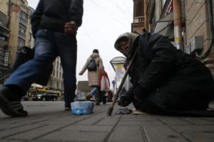 Ρωσία: Σεφ μοιράζουν σούπες σε αστέγους στην Αγία Πετρούπολη