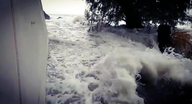 Χαμός από την κακοκαιρία στην Κύπρο! Πλημμύρισαν η Βουλή και το Αρχαιολογικό Μουσείο! – video | Newsit.gr