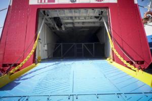 Αναστάτωση στο Ηράκλειο! Το πλοίο επέστρεψε και πάλι στο λιμάνι!