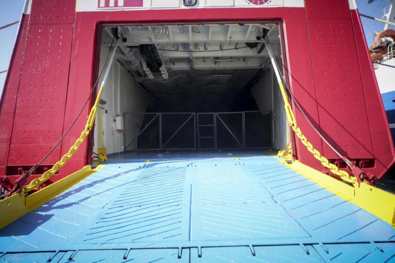 Αναστάτωση στο Ηράκλειο! Το πλοίο επέστρεψε και πάλι στο λιμάνι!   Newsit.gr