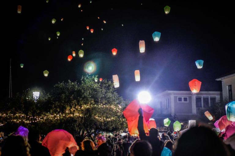 Η «Νύχτα των Ευχών» στην Πρέβεζα – Δεκάδες φαναράκια φώτισαν τον ουρανό [pics]   Newsit.gr
