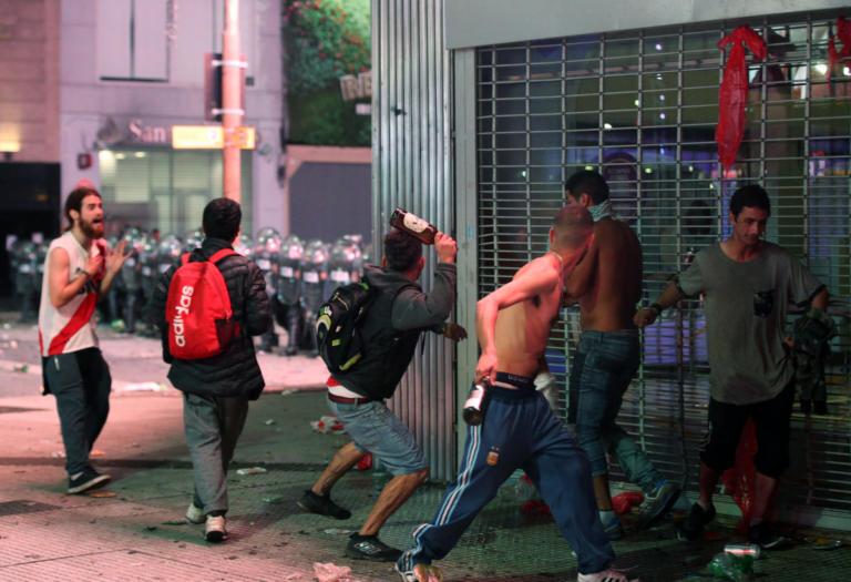Ρίβερ Πλέιτ: Γης μαδιάμ το Μπουένος Άϊρες – Άγρια επεισόδια μετά την κούπα – video