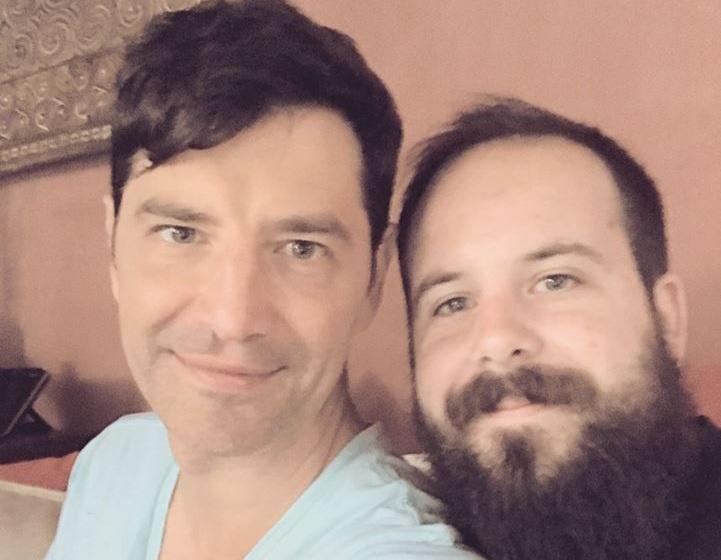 Νίκος Ρουβάς: Το ευχαριστώ στον αδελφό του Σάκη Ρουβά για τα χρόνια πολλά από το Voice! VIDEO | Newsit.gr