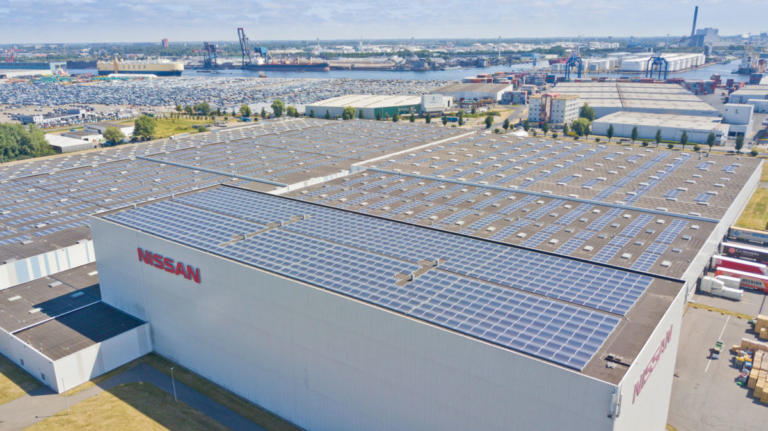 Η Nissan θέτει σε λειτουργία μεγαλύτερη οροφή με συλλέκτες ηλιακής ενέργειας   Newsit.gr