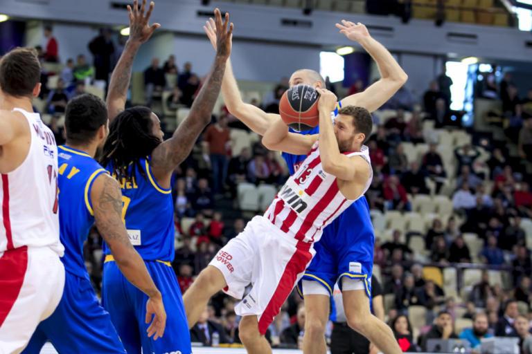 Ολυμπιακός: Συγγνώμη στον Στρέλνιεκς! Η συνάντηση στα αποδυτήρια [pics] | Newsit.gr
