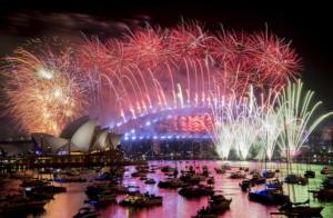 Πρωτοχρονιά 2019: Χιλιάδες πυροτεχνήματα στον ουρανό του Σίδνεϋ