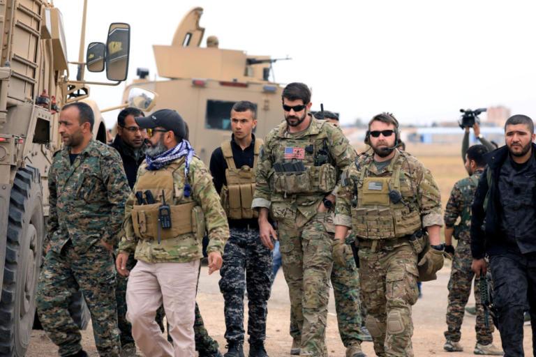 Συρία: Ξεκίνησε η αποχώρηση των αμερικανικών στρατευμάτων | Newsit.gr