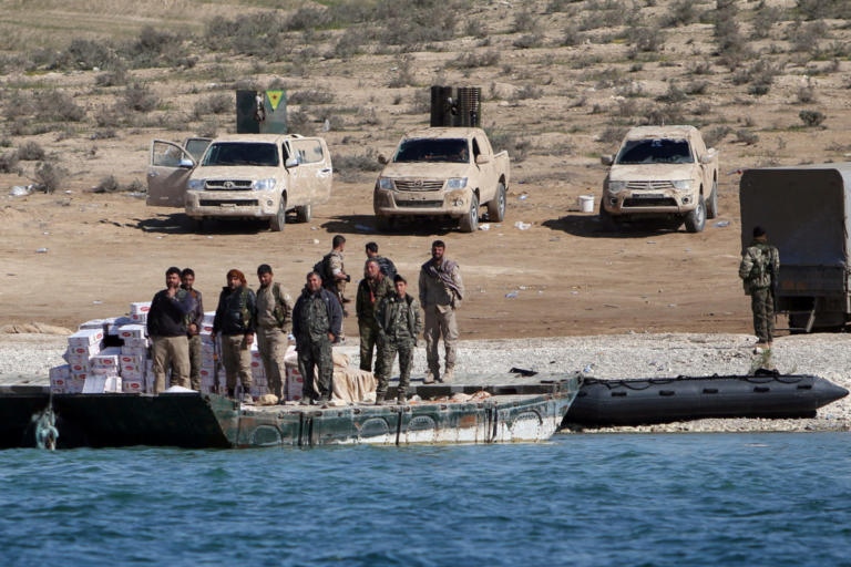 Συρία: Ανησυχούν οι Κούρδοι για ανασύνταξη του Ισλαμικού Κράτους μετά των αποχώρηση των ΗΠΑ | Newsit.gr