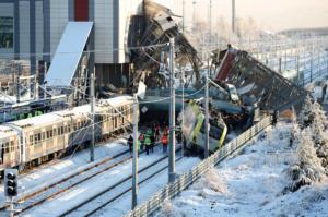 Τουρκία: 9 νεκροί και 90 τραυματίες από την σύγκρουση τρένου με βαγόνι- video