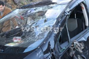 Φθιώτιδα: Τροχαίο για 3 εφοριακούς – Πέρασε στο αντίθετο ρεύμα και τούμπαρε το αυτοκίνητό τους [pics]