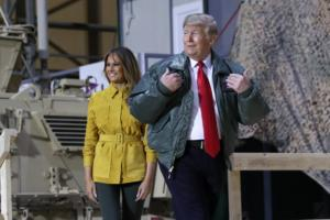 Τους άφησε όλους… παγωτό! Με την Μελάνια ο Τραμπ στο Ιράκ σε επίσκεψη – έκπληξη!