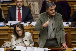 Τσακαλώτος: Έχετε δίκιο για τις τροπολογίες – Αποχώρησαν ΚΚΕ και Ποτάμι