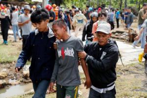 Τσουνάμι – Ινδονησία: 281 οι νεκροί, περισσότεροι από 1.000 οι τραυματίες – Τραγωδία δίχως τέλος