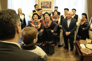 Θεσσαλονίκη: Έκλεψε την παράσταση ο Τζιτζικώστας junior – video