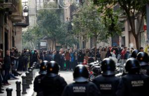 Βαρκελώνη: «Χαμός» για το υπουργικό συμβούλιο – Επεισόδια, συλλήψεις και τραυματίες [pics]