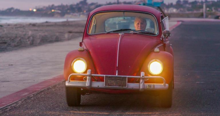 Η VW αναπαλαίωσε πλήρως έναν σκαραβαίο του 1966 | Newsit.gr