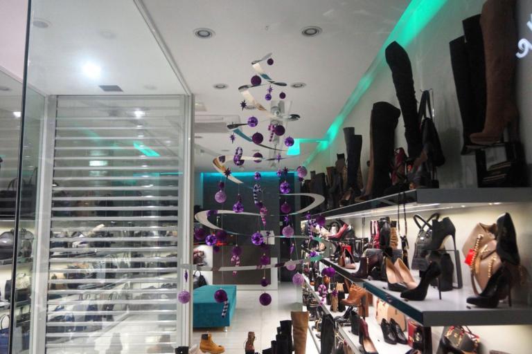 Εορταστικό ωράριο σήμερα 30/12: Τι ώρα κλείνουν τα καταστήματα | Newsit.gr