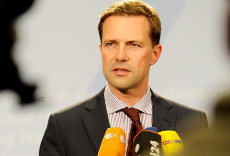 """Γερμανία: Το """"ξεκόβει"""" ο Ζάιμπερτ – """"Δεν θα γίνει ανασχηματισμός""""   Newsit.gr"""