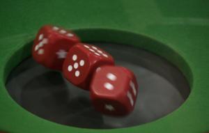 Ηράκλειο: Γκίνια και… συλλήψεις – Στο κρατητήριο γιατί έπαιζαν μπαρμπούτι