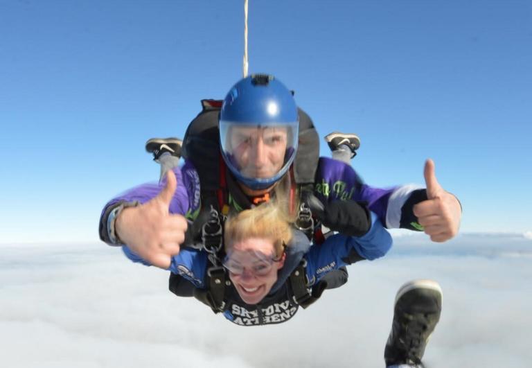 Ζέτα Μακρυπούλια: Λάτρης των extreme sports! Έκανε ξανά ελεύθερη πτώση [pics]