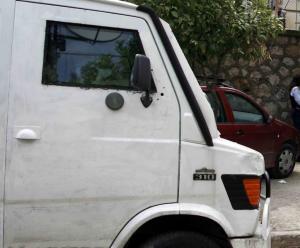 Καραμπόλα με δύο αυτοκίνητα χρηματαποστολών στη Λάρισα!
