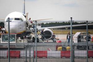 Ακυρώθηκαν όλες οι πτήσεις στο Σίπχολ – Σφοδροί άνεμοι καθήλωσαν τα αεροπλάνα