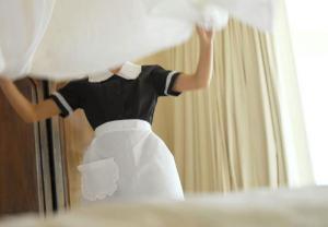 Κως: Ντροπιαστικές ατομικές συμβάσεις σε ξενοδοχείο – Πρόστιμα και σωματικός έλεγχος στους εργαζομένους