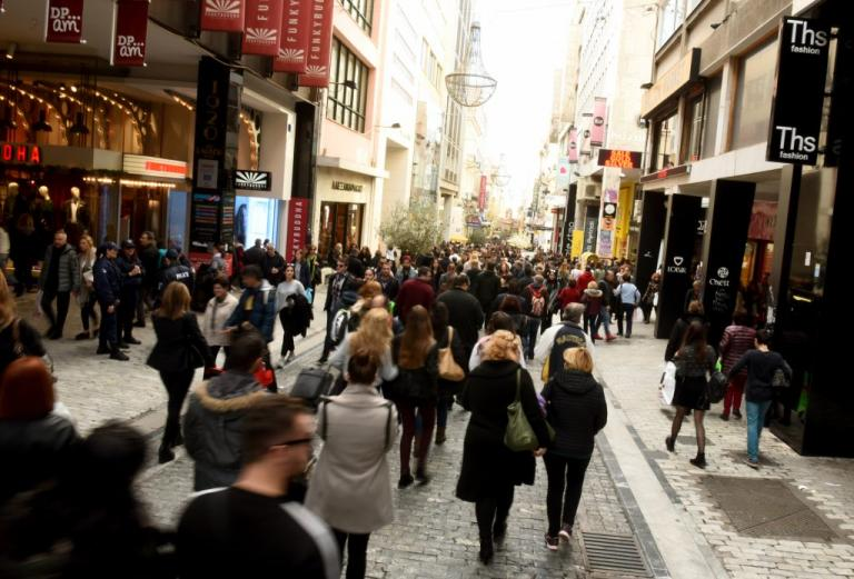 Ανοιχτά σήμερα τα μαγαζιά – Αναλυτικά το εορταστικό ωράριο