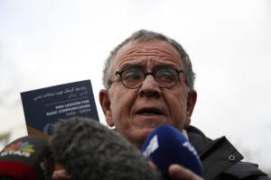 Μουζάλας: Βάσιμες ενδείξεις ότι οι 8 Τούρκοι συμμετείχαν στο πραξικόπημα