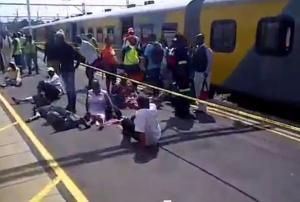 Σύγκρουση τρένων με 200 τραυματίες στο Γιοχάνεσμπουργκ