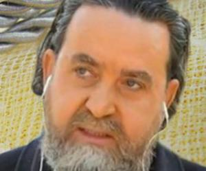 """Βόλος: Αυτός είναι ο ιερέας που κατηγορείται για πορνεία – """"Η παπαδιά με εγκατέλειψε"""" [pics]"""