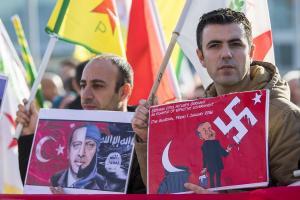 Συνεχίζεται το «σφυροκόπημα» στην Αφρίν – «Δεν θα σταματήσουμε αν δεν εξαλείψουμε την απειλή» λέει ο Ερντογάν