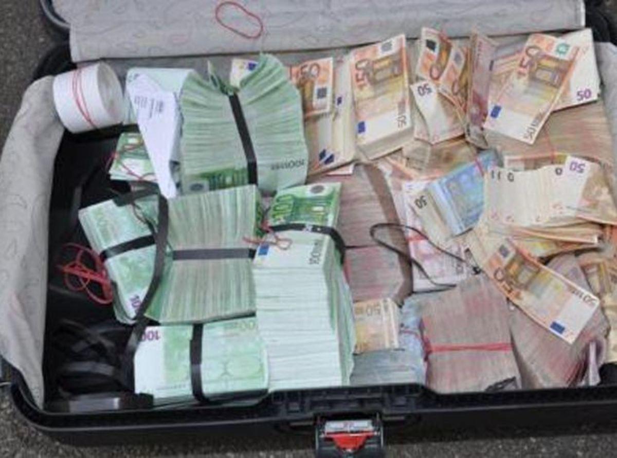 Ένας νεκρός και μια βαλίτσα γεμάτη ευρώ! Θρίλερ με τον άνδρα που έπεσε στο κενό από την ταράτσα ξενοδοχείου στην Ομόνοια