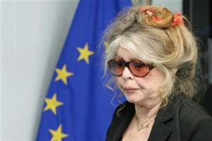 """""""Βόμβα"""" Μπριζίτ Μπαρντό: Γελοίες οι καταγγελίες από γυναίκες ηθοποιούς για σεξουαλικές παρενοχλήσεις"""
