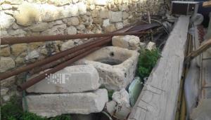 Κρήτη: Αρχαία αντικείμενα πεταμένα μαζί με σωλήνες και καλοριφέρ – Απίστευτες εικόνες [pics]