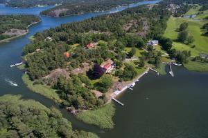 Πωλείται το ησυχαστήριο της Γκρέτα Γκάρμπο στην Σουηδία