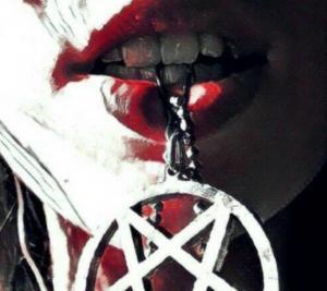Κεφαλονιά: Θυσία στον Σατανά – Ανατριχιαστικές αποκαλύψεις για το νεκρό ζευγάρι – Εικόνες που σοκάρουν [pics, vids]