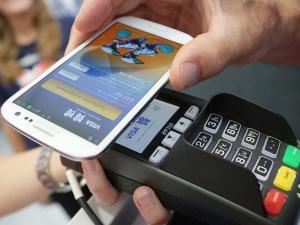 """Έκρηξη του """"mobile money"""" στην Ελλάδα – Το 78% των πολιτών πραγματοποιεί συναλλαγές μέσω κινητού"""