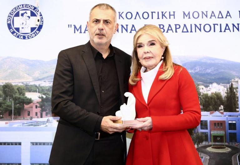 """Ο Γιάννης Μώραλης στην Ογκολογική Μονάδα Παίδων """"Ελπίδα"""""""
